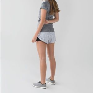 Lululemon Pleat to Street Short Dottie Dash 4 XS
